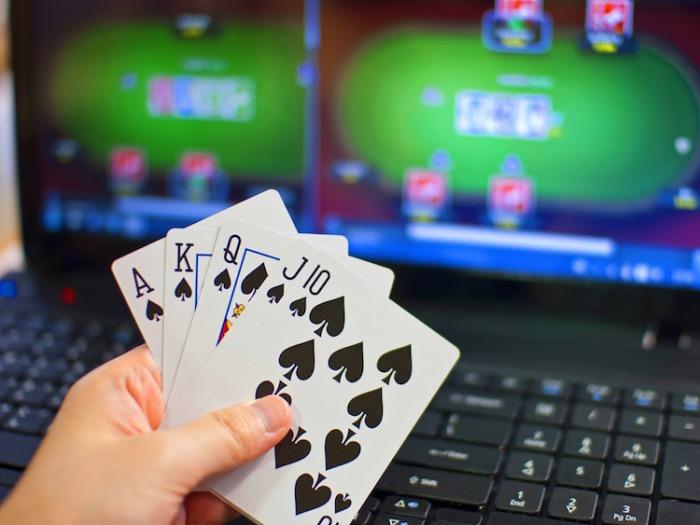 Kartaške igre online ili igre s kartama